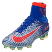 WOMEN'S FOOTBALL SHOES